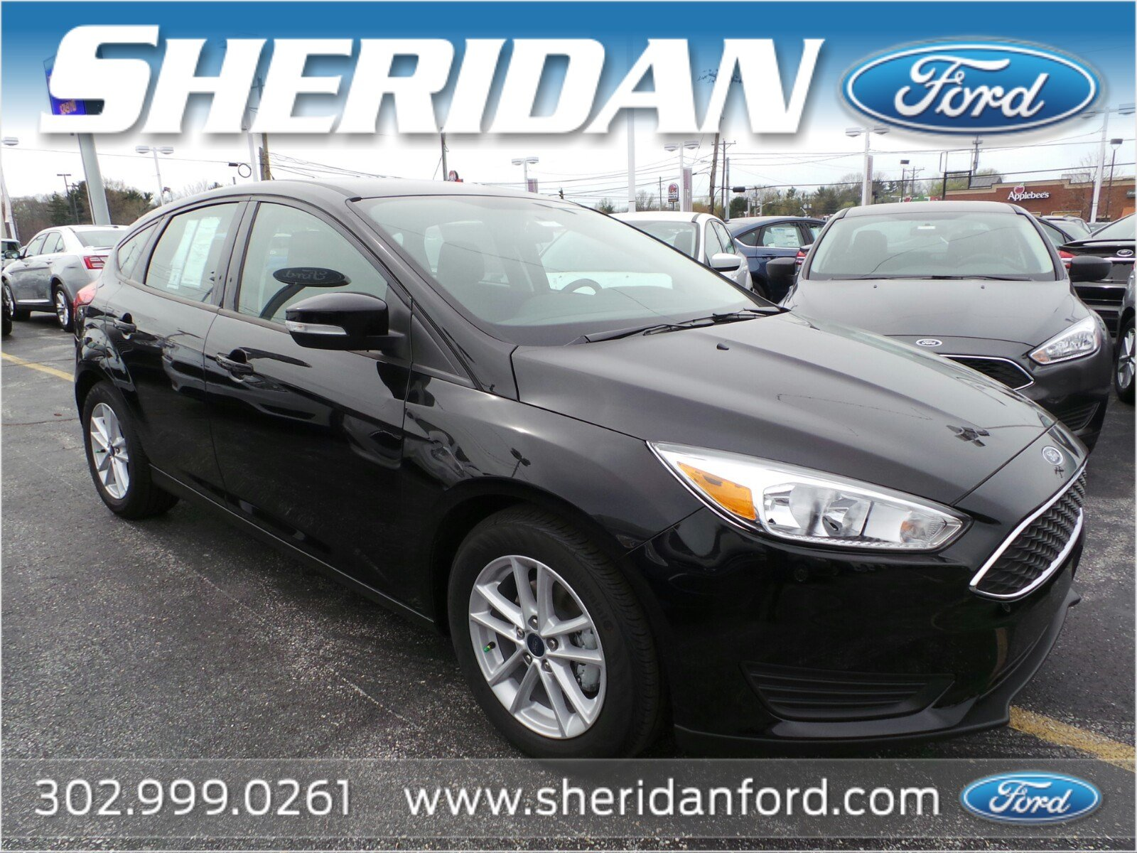 New 2018 Ford Focus SE Hatchback in Wilmington F