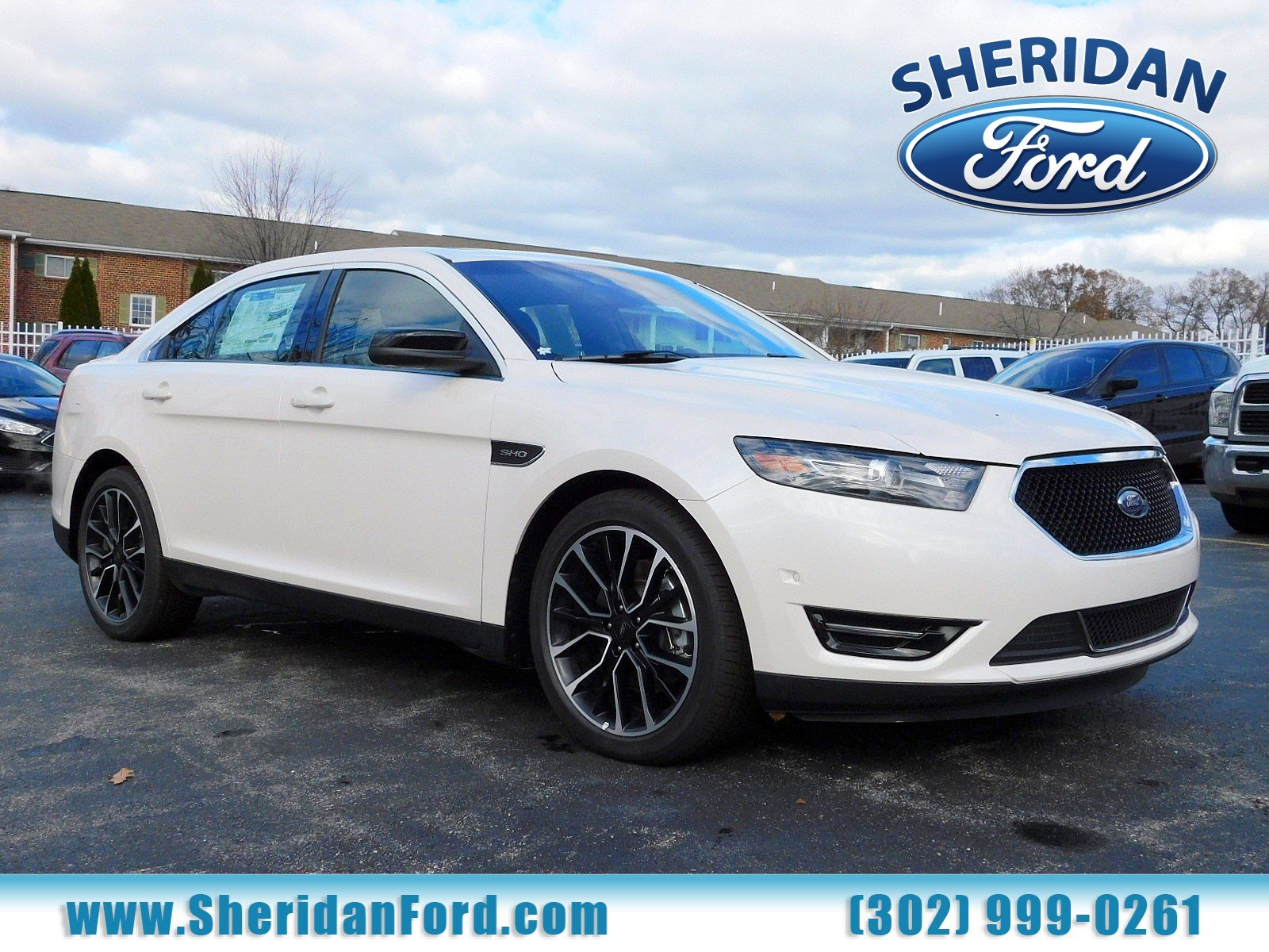 New 2018 ford taurus sho